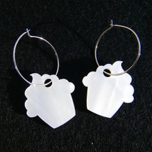 Cupcake Earrings in Pearl
