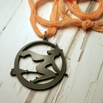 witch_moonpendant
